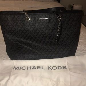 Michael Kors Jet Set Travel bag